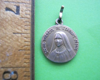 Saint Theresa Medal, Sainte Therese Medaille, Rolled Gold Religious Medal, French Religious Medal