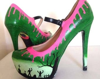 Sample/Ex Display/SALE! Zombie stomper high heels by Toxic Heart Designs! With pink dripping goo & zombie hand scratching out of a graveyard
