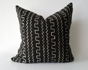 Authentic Mudcloth Pillow, Mali Bogolan, Black, Off-White, Zig-zag, Lines