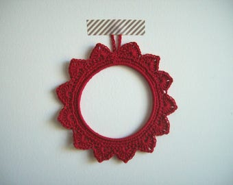 Small frame hook hand-made - color red