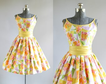 Vintage 1950s Dress / 50s Cotton Dress / Jonathan Logan Bright Floral Dress w/ Original Cummerbund Waist Belt S