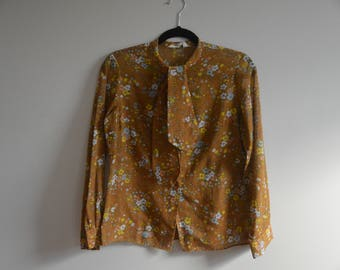 Vintage blouse, size small