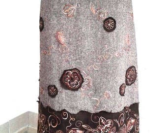 Brown skirt embroidered mottled flannel