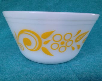 "Federal Glass Yellow Flowers and Scroll 8"" Mixing Bowl"