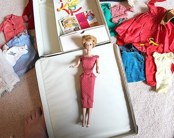 Vintage Barbie doll from the early 60s!