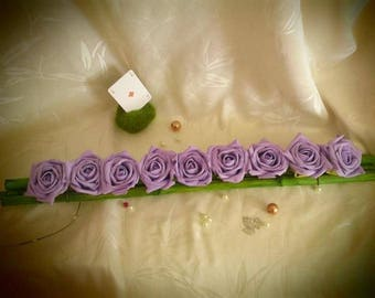 9 roses parmes and bamboo table centerpiece