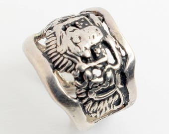 Unusual Abstract Silver Split Ring with Creative Non Symbolic Carvings in Sterling Silver Ring // Sz: 6 1/2