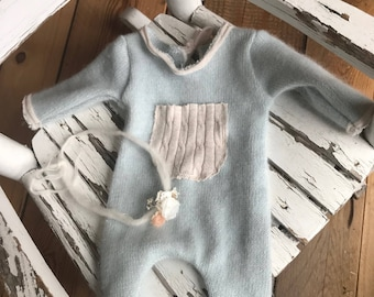 Newborn NB romper neutral boy/girl Baby blue with cream trimming. Head band included. Only one available. RTS
