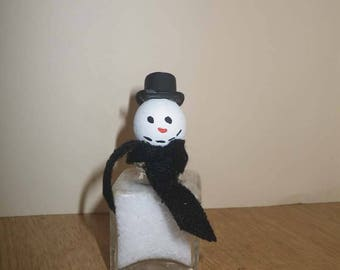 Vintage Salt Shaker Snowman #5 ~ Whimsical Salt Shaker ~ Vintage Salt Shaker ~ Upcycled Salt Shaker ~ Snowman
