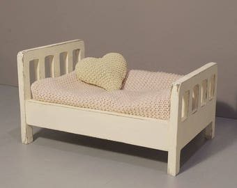 Little bed photo prop