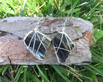 Black striped pottery shard dangle earrings