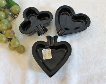 Set of 3 Imperial Black Glass Ashtrays in Excellent Condition - Card Suits, Club, Spade, and Heart