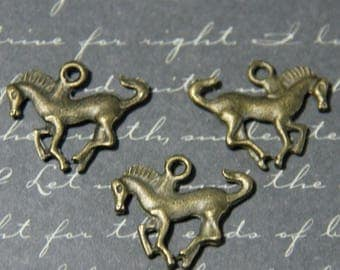 3 charms 22x18mm bronze metal galloping horse