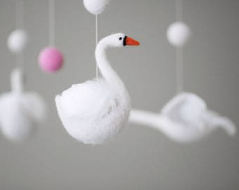 Needle felted Swan Baby Mobile, Nursery Decor, Baby Shower Gift