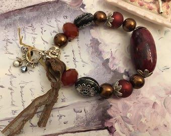 ethnic bracelet red Bordeaux passion autumn
