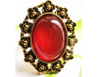 "Vintage cabochon ring ""Agate stone"" floral setting on antique gold"