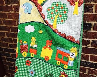 Beautiful vintage baby quilt/ blanket