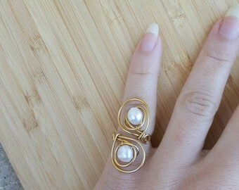 Adjustable pearl ring