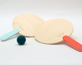 Paddle ball - red and blue