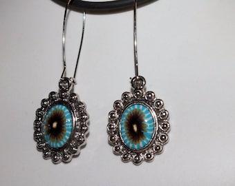 Blue rimmed imaginary flowers earrings