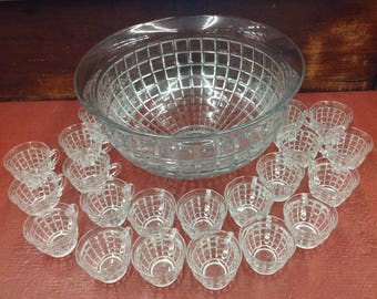 """Vintage HEISEY """"VICTORIAN"""" 15"""" Glass  PUNCH Bowl With 23 Cups  #1425"""