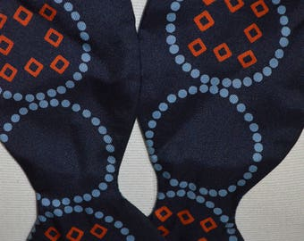 Vintage Soie Full Size Bow Tie (Circle Pattern)