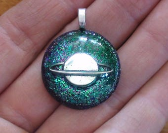 Orgone Energy Saturn Planet Blue/green 3rd Eye / Pineal Gland 27mm Dome Unisex Pendant Necklace Crystal Orgone Energy Moldavite Tourmaline