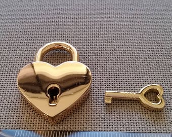 Heart shaped padlock  30mm x 39mm