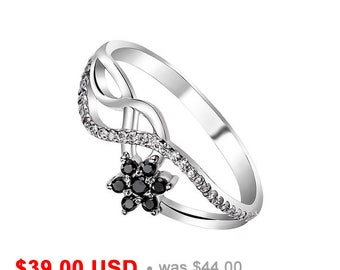 Flower Engagement Ring Black Engagement Ring Infinity Ring Black Promise Ring for Her Twist Ring Black Wedding Ring Delicate Ring Small Ring