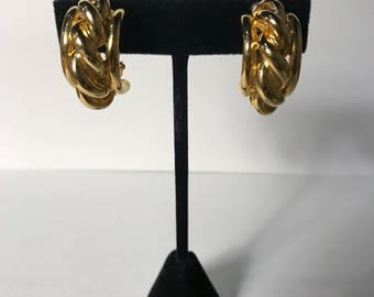 Vintage Gold Chain Circle Clip On Earrings