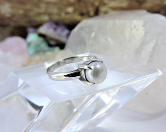 Sterling Silver Pearl Ring Size 5