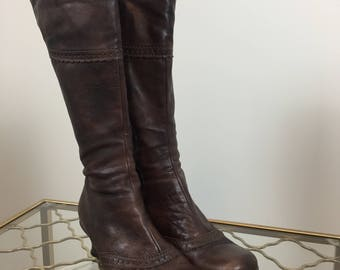 """1990s Brown Leather La Canadienne Boots  - Low 2"""" Heel - Size 6.5 - Rounded Toe - Fleece Lined - Fall Winter - Vintage Boho Boots"""