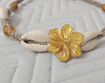 Cowrie Shell Flower Hemp Necklace