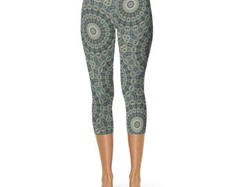 Leggings Capri - Tribal Style Brown and Green Mandala Pattern Boho Festival Yoga Pants