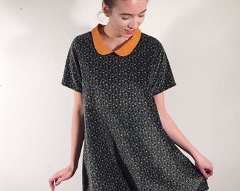 Olivia dress. Trapeze dress made with a vintage velvet, silk collar