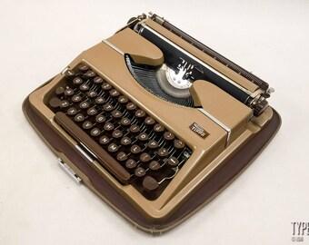 The OFFICE in a BRIEFCASE!!! TRIUMPH Tippa 1950s, Triumph typewriter, vintage typewriter, portable typewriter, working typewriter