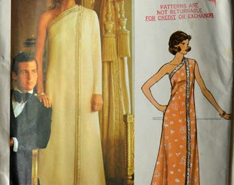 1970s Vogue Vintage Sewing Pattern 1217, Size 12; Molyneux Misses' Evening Dress