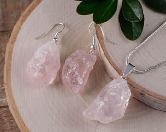 Raw ROSE QUARTZ Necklace and Earrings Set - Rose Quartz Jewelry Set, Rose Quartz Earrings, Rose Quartz Pendant, Rose Quartz Crystal E0553