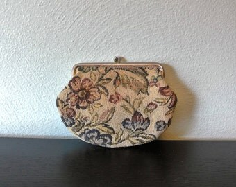 Vintage Kiss Lock Tapestry Coin Purse