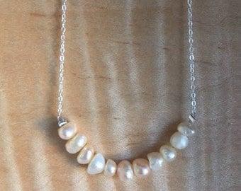 Perles d'eau douce sur chaîne argent 925 / Freshwater pearls on silver (925) chain