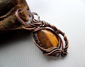 Wire wrapped pendant / Tiger's Eye pendant / Healing crystal pendant  / Boho / Copper jewelry / Bohemian jewelry / Copper Wire wrap pendant