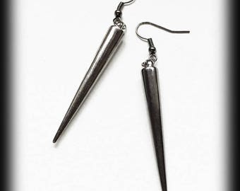 Vampire Spike Earrings, Gunmetal Spike Earrings, Gothic Earrings, Vampire Earrings, Gothic Jewelry, Alternative Jewelry, Vampire Jewelry