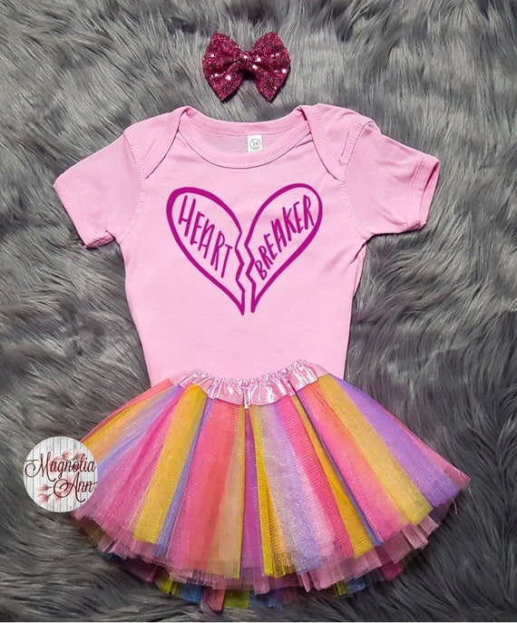 Heart breaker Valentines Outfit, Toddler Valentines Day Outfit, Baby Girl Valentines Outfit, Babies 1st Valentines Day, Toddler Girl Clothes
