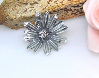 Silver Flower pendant, Petals, Daisy pendant, floral jewellery, silver flower, large pendant, Boho, Modern, Natural, Statement jewellery