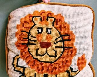 Vintage Crochet Lion Pillow / Nursery Pillow / Lion Decor