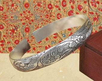 Vintage cuff bracelet silver Boho bangle bracelets for women Stacking wrist engraved Metal open adjustable Hippie bohemian jewelry Gypsy