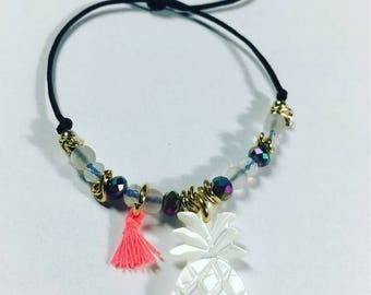 Ajustable Cord Bracelet with Mother of Pearl Charm