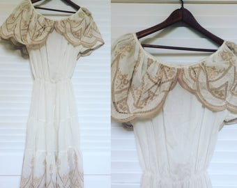 Vintage 1970s Peasant Dress, White with Embroidery, Size M