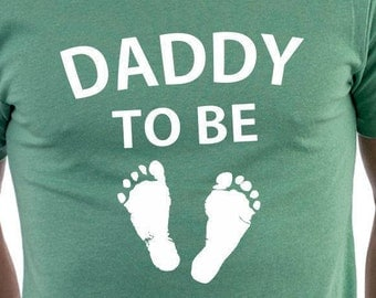 DADDY TO BE (baby footprints) T-shirt