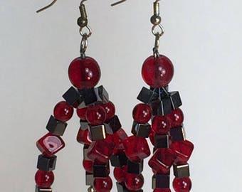 Drop Earrings in Red Glass and Hemalyke